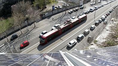 Un tramway photographié de haut
